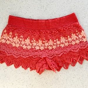 💕NO BOUNDRIES PAIR OF CROCHETED SHORTS SIZE XL💕